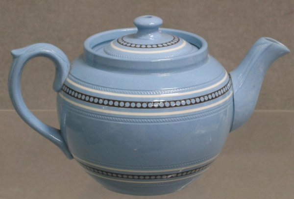 111: Dudson Brothers blue earthenware teapot,