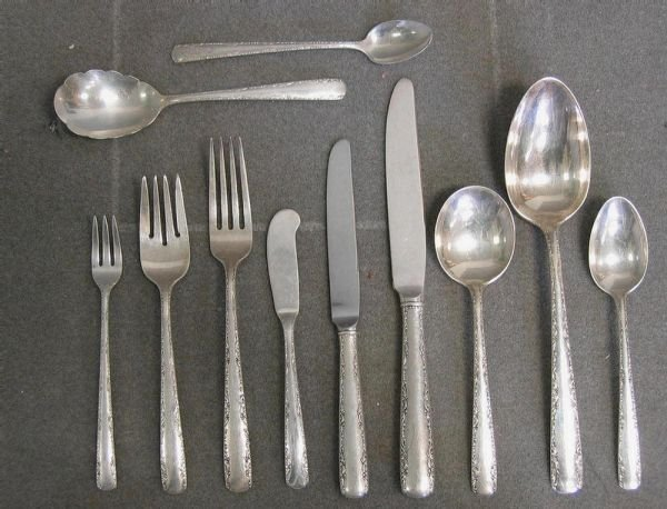 "025: 64 pieces Gorham ""Camellia"" pattern sterling fla"