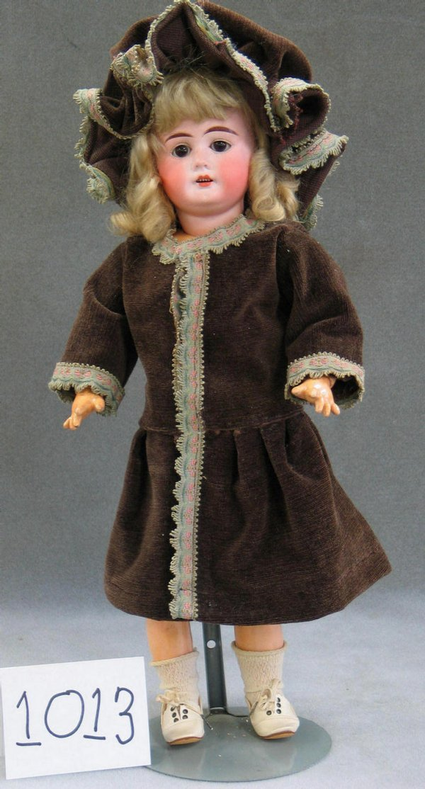 1013: German bisque head child doll, dolly face