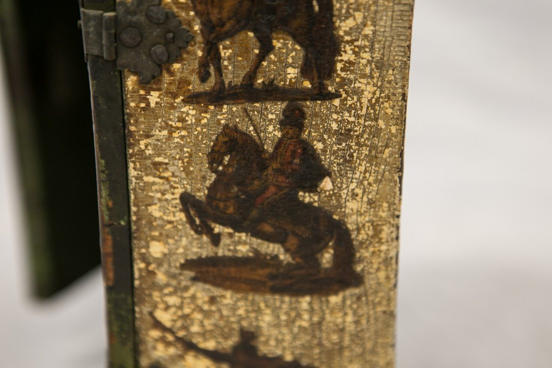 Japanese lacquered jewelry box, 20th C, damaged, - 4