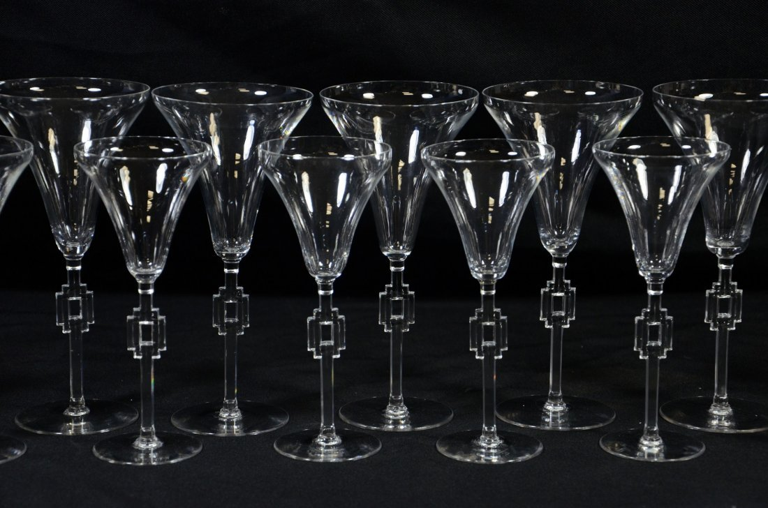 (15) Lalique Hagueneau Wine Glasses, clear glass with - 2