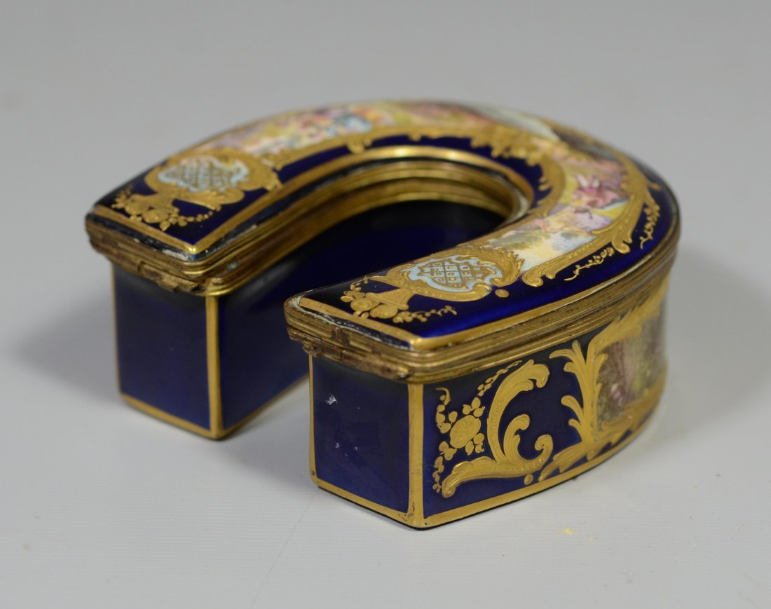 Horseshoe shaped gilt decorated cobalt Sevres type - 3