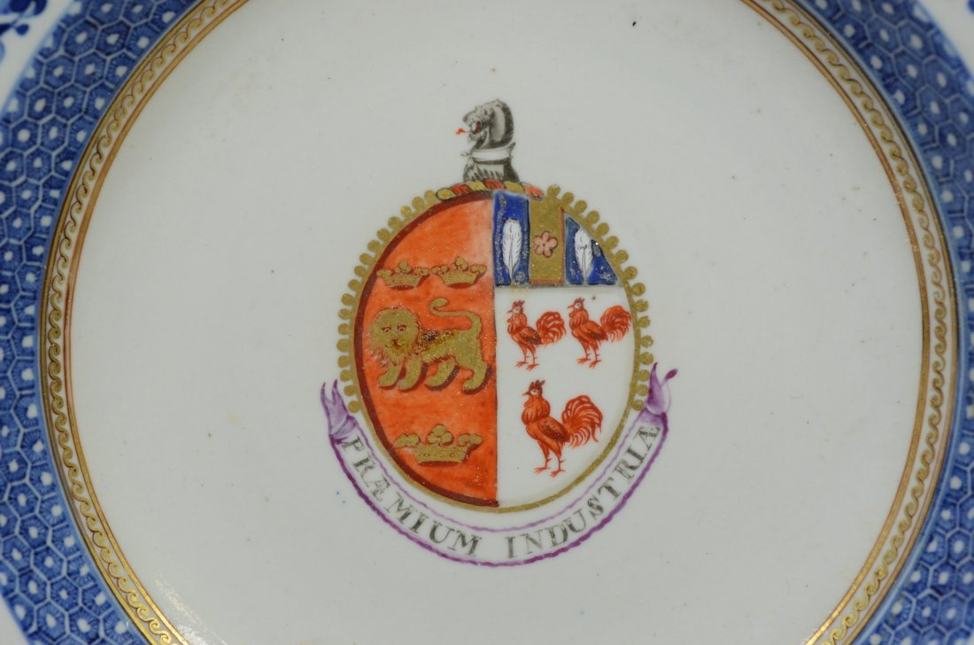 Pair of Chinese Export porcelain Armorial soup bowls, - 3
