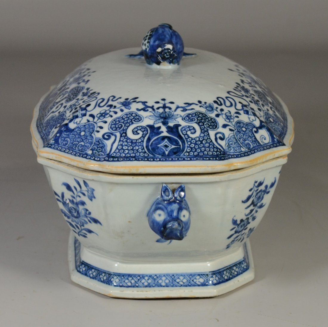 Chinese Export porcelain blue & white covered tureen, - 2
