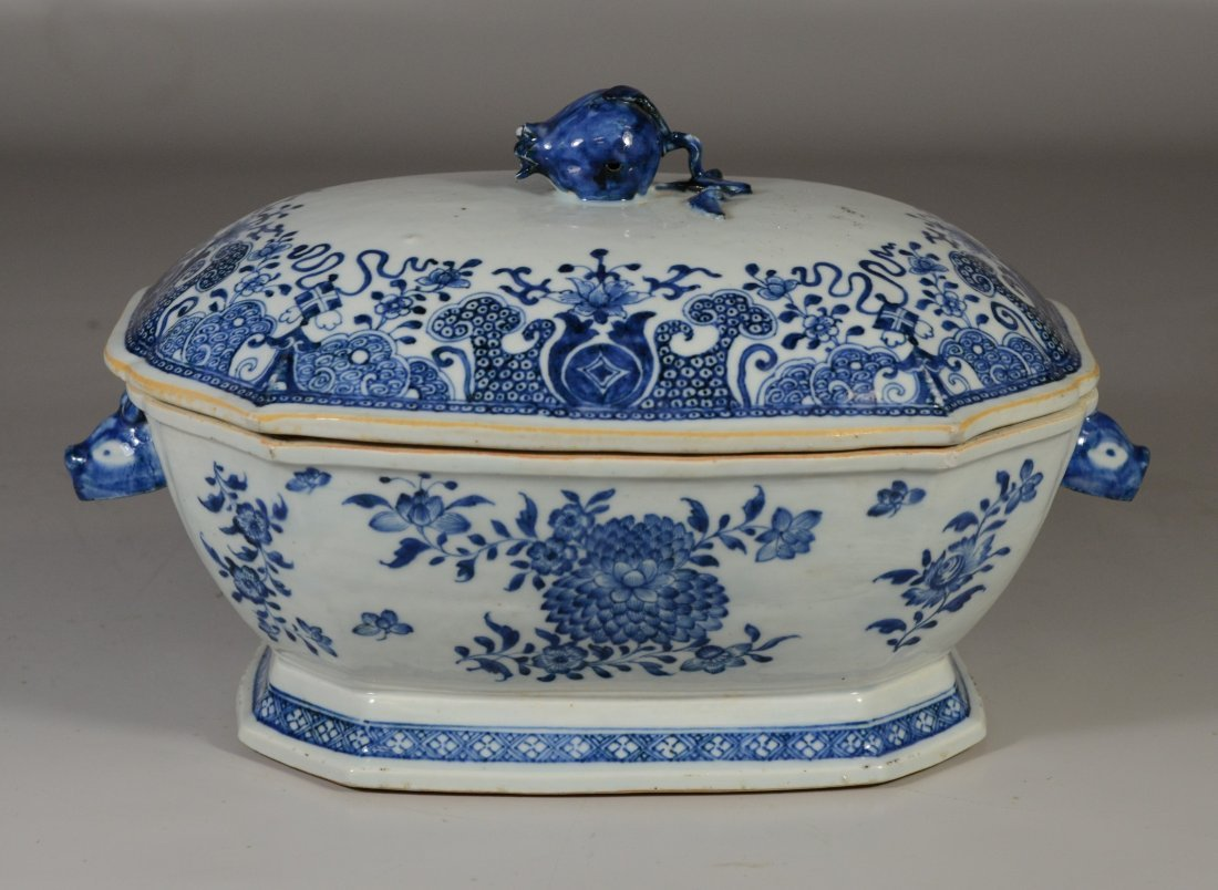 Chinese Export porcelain blue & white covered tureen, - 3