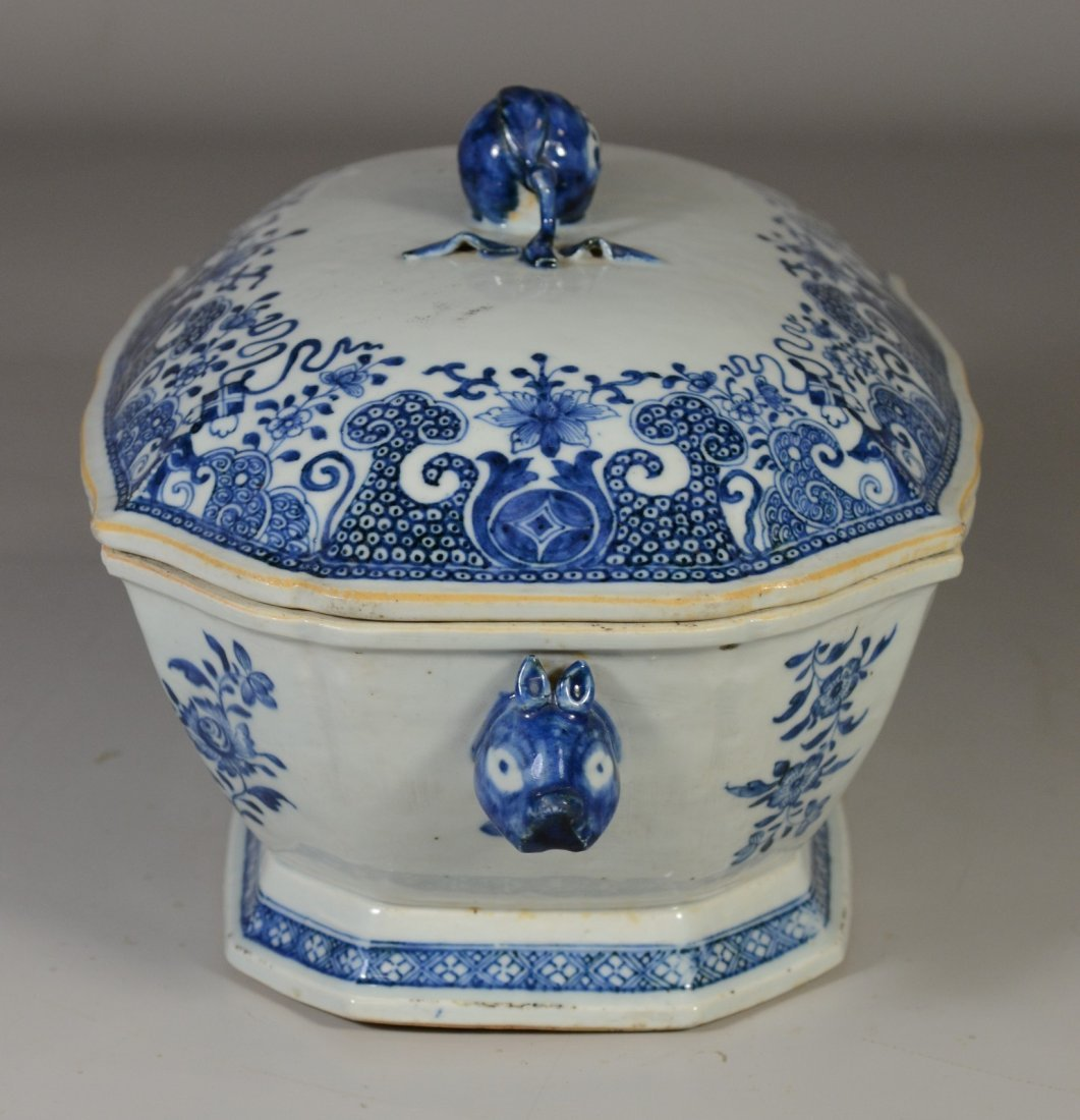 Chinese Export porcelain blue & white covered tureen, - 4