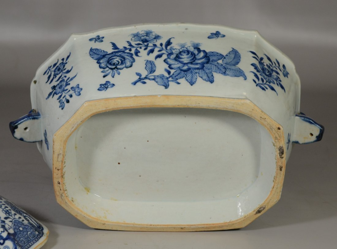 Chinese Export porcelain blue & white covered tureen, - 5