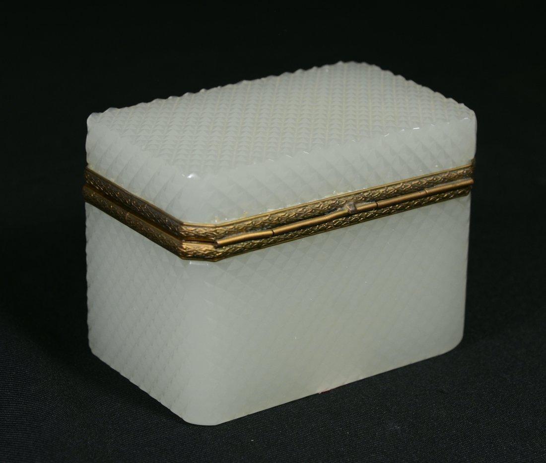 French cut opaline dresser box with gilt ormolu mounts - 2
