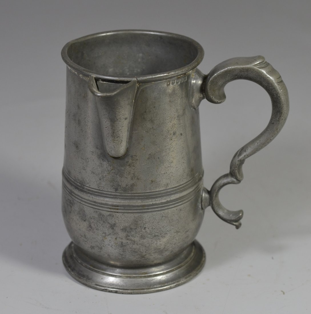 English pewter 1 qt side handled spouted measure, 18th