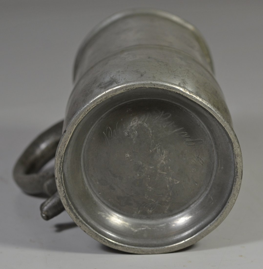 English pewter 1 qt side handled spouted measure, 18th - 3