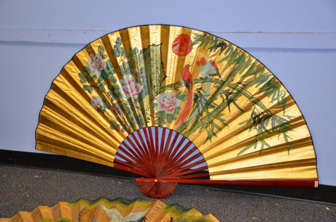 (2) Red lacquer folding fans with handpainted bird - 2