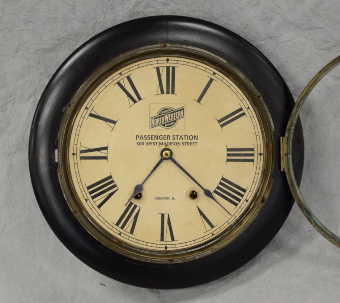 Black lacquer clock, Chicago Northwestern Railway - 2