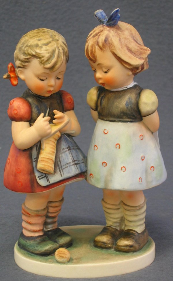 1008: Hummel Figurine, Knitting Lesson