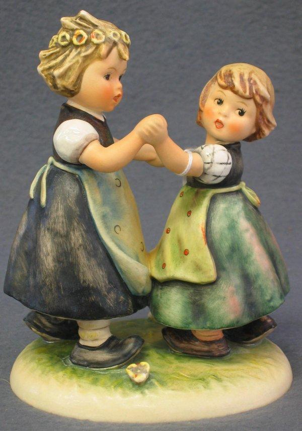 1009: Hummel Figurine, Spring Dance