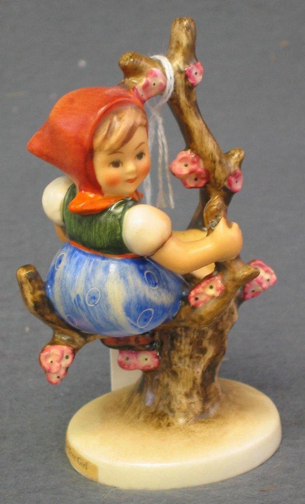 1020: Hummel Figurine, Apple Tree Girl