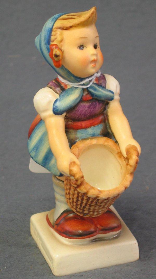 1021: Hummel Figurine, Little Helper