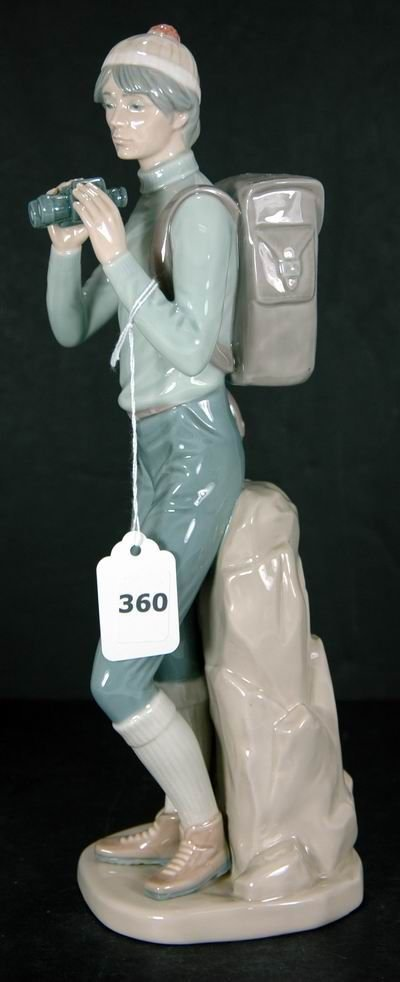 360: RARE RETIRED LLADRO THE HIKER MINT