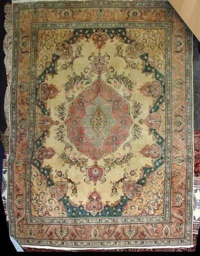 301A: 1920'S TABRIZ 10' X 13' IVORY W/ PINK AND EMERALD
