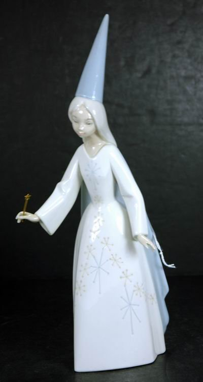 818: LLADRO RETIRED FAIRY GODMOTHER EXCELLENT