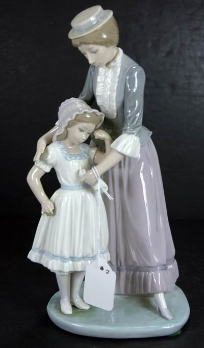 822: RARE LLADRO 5142 SOLACE RETIRED IN 1991