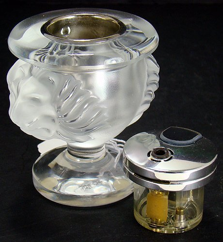 8: LALIQUE TETE DE LION CIGARETTE LIGHTER