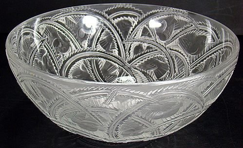 811: SIGNED LALIQUE PINSON BOWL perfect condition