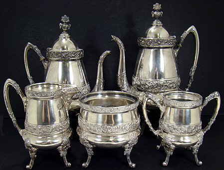325: VINTAGE REED AND BARTON SILVERPLATE TEA SET
