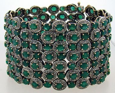 621: ANTIQUE 40.00CT EMERALD AND DIAMOND BRACELET