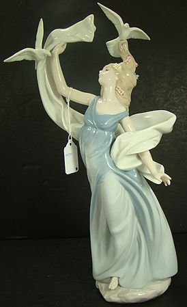 918: LLADRO INSPIRATION MILLENIUM COLLECTION 6570 MINT