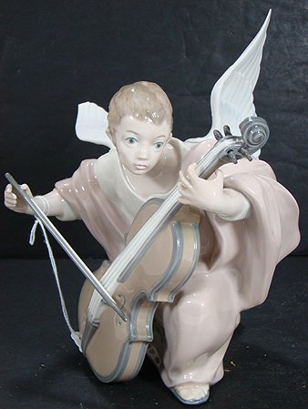 922: LLADRO HEAVENLY CELLIST 5492 MINT W/ BOX