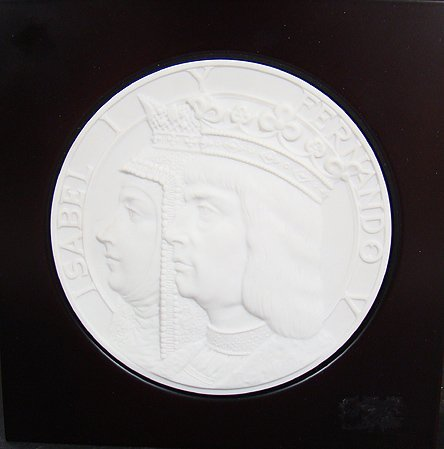 905: LLADRO RARE NEW WORLD MEDALLION 5808 MINT WITH BOX