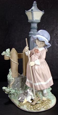 907: LLADRO FALL CLEAN UP 5286 MINT WITH BOX