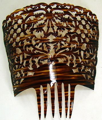 322: VICTORIAN CELLULOID LARGE HAIR COMB
