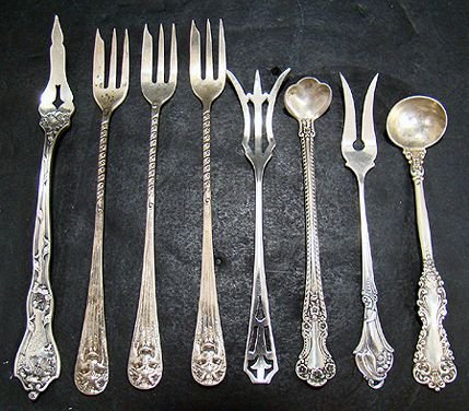 318: LOT OF 8 STERLING SERVING PIECES