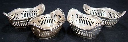314: LOT OF 4 STERLING SILVER NUT CUPS