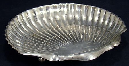 310: STERLING SILVER SHELL SHAPED TRAY