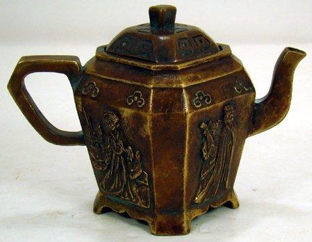 10J: 19TH CENTURY CHINESE BRONZE TEA POT