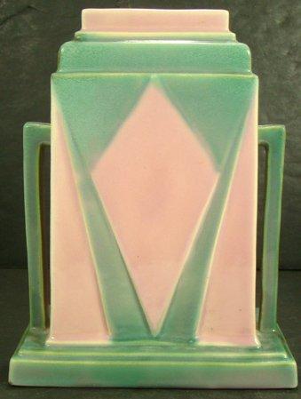 423: ROSEVILLE FUTURA JUKE BOX AWESOME VASE 386-8