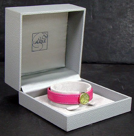 922: LALIQUE PINK WRIST BAND WITH AMBER CRYSTAL CENTER
