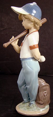 22: LLADRO CAN I PLAY SOCIETY PIECE MINT WITH BOX 7610