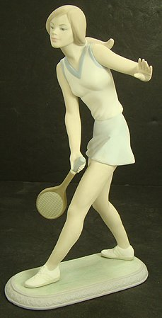315: LLADRO FEMALE TENNIS PLAYER RARE 1427M RTD 1988