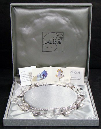 612: LALIQUE  CRYSTAL NECKLACE.NEW IN BOX