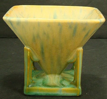 1120: ROSEVILLE VERY  RARE FUTURA SAND TOY 4 INCH