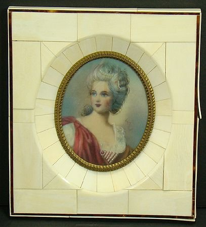 316: VICTORIAN PORTRAIT OF A BEAUTIFUL WOMAN
