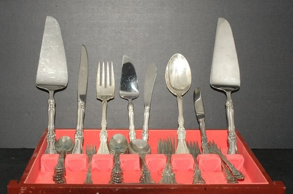 5: 57 PIECES OF WALLACE STERLING SILVER FLATWARE