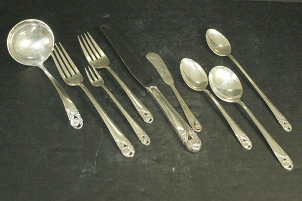 13: INTERNATIONAL STERLING SPRING ROSE 97 PIECES