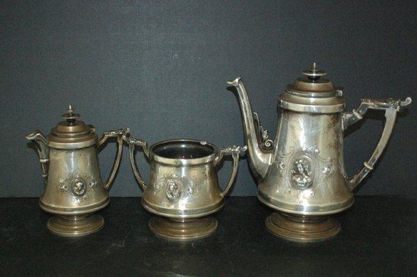 985: NOUVEAU 3 PIECE CONTINENTAL STERLING TEA SET