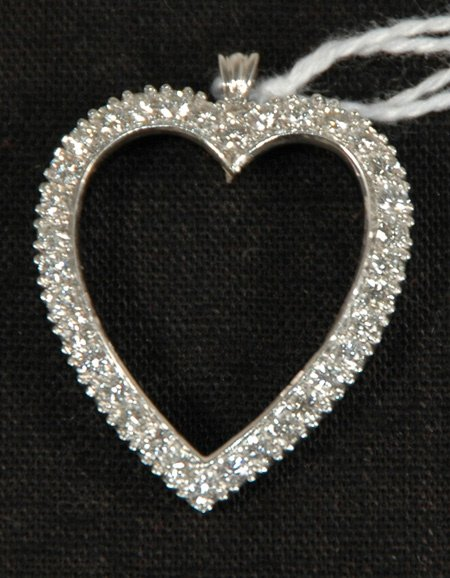 254: HEART SHAPED DIAMOND PENDANT