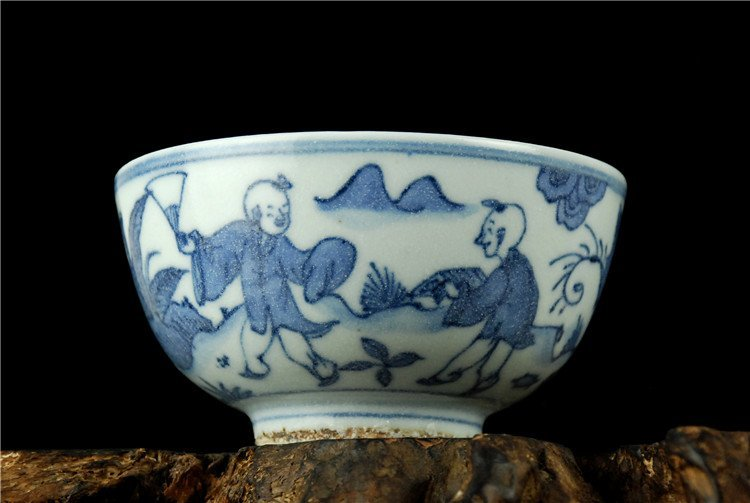 Fine Chinese Porcelain Blue & White Bowl - 2