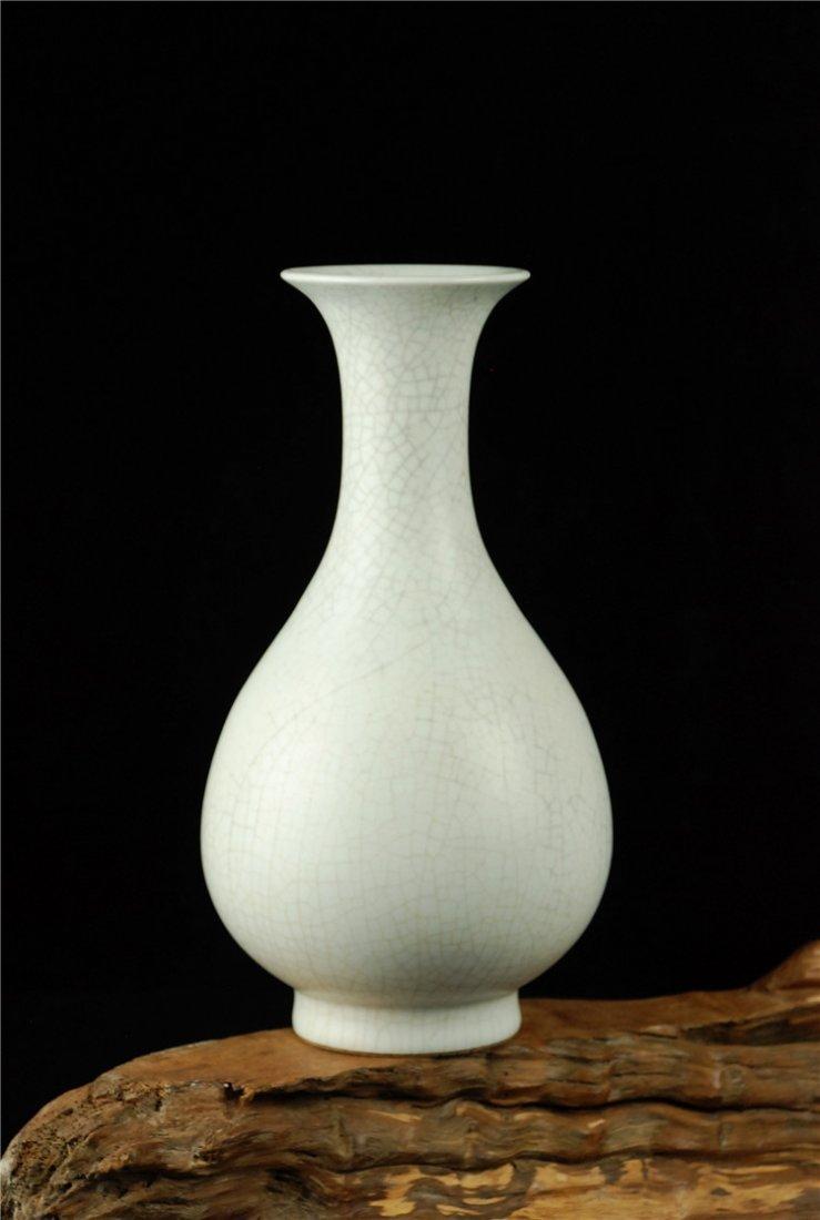 Chinese Fine Porcelain White Vase